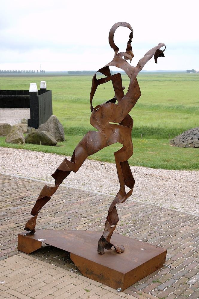 Alice W Bakker